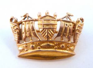 Vintage Dainty 9ct Gold James William Benson Crown Brooch.